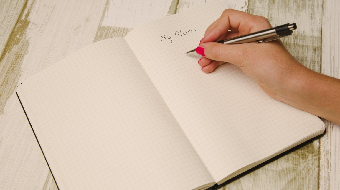 How (& Why) to Write a Scene List for YourNovel